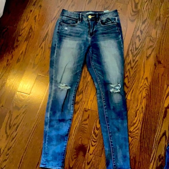 American Eagle Skinny Distressed Jeans - Size 4